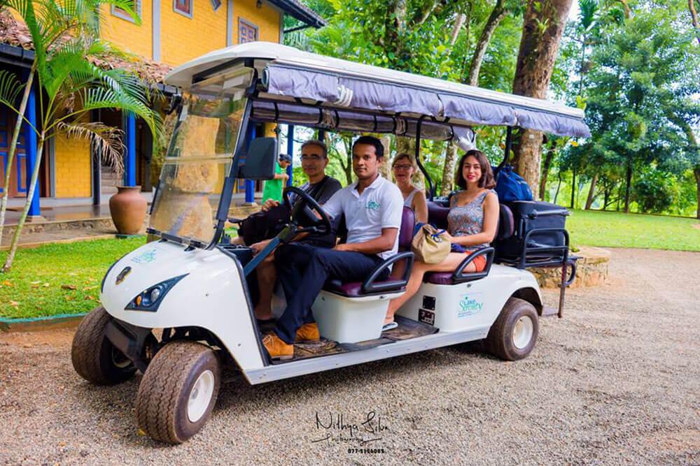 Ratnapura Hotel Lake Serenity Tourists in a Club Car