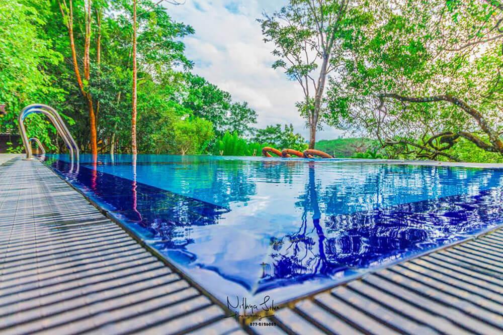 Lake Serenity Ratnapura Boutique hotel outdoor swimming pool